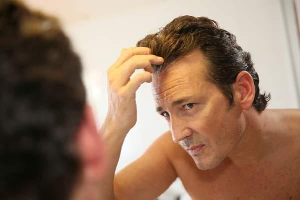 Geheimratsecken lange haare frisuren: Modische